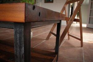 Table de salon en bois de grange - Abelia