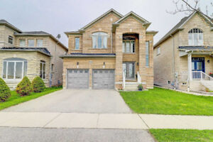 SPACIOUS 4+2Bedroom Detached House in VAUGHAN $1,479,000 ONLY