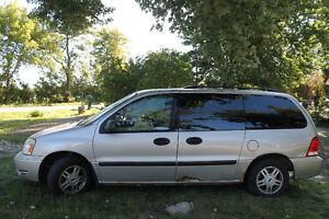 2005 Ford Freestar Minivan, Van Windsor Region Ontario image 2
