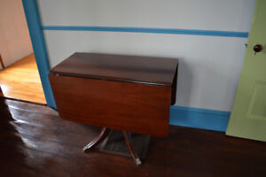 Drop leaf table. Antique