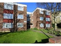 1 bedroom flat in Alexandra Grove, Finchley , N12