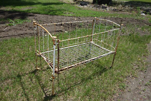 Vintage Rod Iron Baby Crib