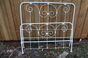 White wrought iron double bed frame