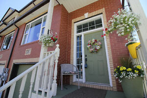 Gorgeous End Unit Townhouse in Dynamic Russell Lake