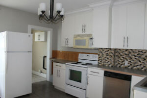 2 Bedroom Apartment Close to Memorial Center Available Aug 1st