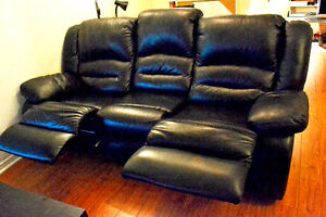 9/10 Condition - 3 Seat Black Leather Recliner Reclining Sofa