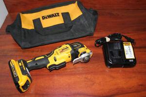 Oscillant Dewalt avec 1 Batterie et Chargeur ** NEUF ** W010006