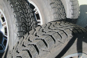 Volvo 240DL winter tires and rims  size 195 70R14