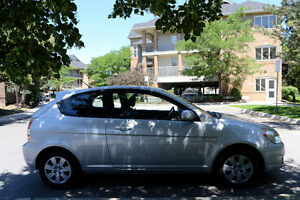2010 Hyundai Accent L - Manual/Base (REDUCED to sell)