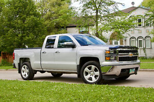 2015 Chevrolet Silverado 1500 Ext cab V8 4X4 + winter tires/rims