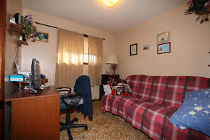 Check out this 1078sqft bungalow, complete w/ an attached garage Regina Regina Area image 6