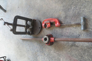 "Ridgid hand operated pipe threader set 1/2"",3/4"" & 1"""