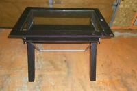 table ordinateur35pouces et demi de large 30 pouces de hauteur