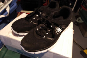Skechers Men's Lightweight Running Shoes - Black - Size 9