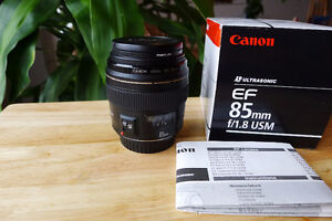 Canon EF 85mm F:1.8  USM lens  Mint Condition