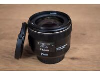 Canon Lens 35 mm f/2.0 IS USM / Mint Condition
