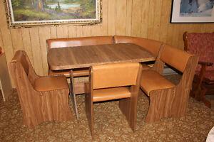 Table et chaises (coin) vintage