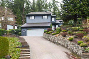 1088 CORONA Crescent - CHARMING LUXURY HOME FOR SALE + VT