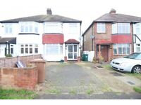 3 bedroom house in Long Lane, Staines-upon-Thames, TW19