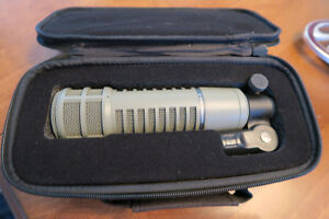 ElectroVoice RE20 RE-20 Pro Broadcast Microphone with Case - Pri
