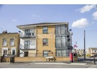 1 bedroom flat in Zurich House, Stratford, E15