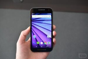 (UNLOCKED) 8GB MOTO G3 INCLUDES CHARGER + CASE