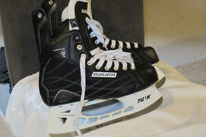 New. Bauer skates (men's)