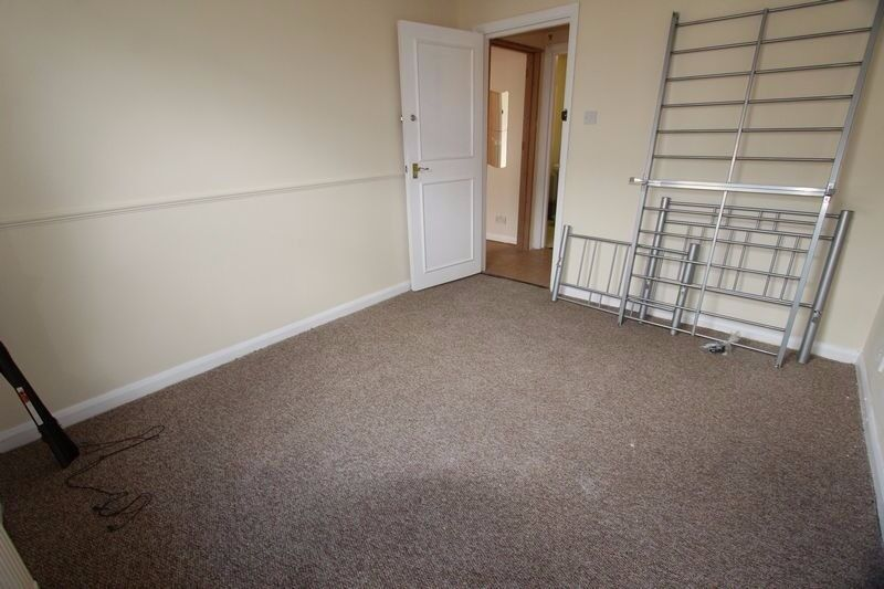 """""""""""AMAZING DOUBLE ROOM IN MILE END, 23 GRINDLEY HOUSE """""""