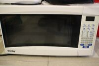 Danby Four micro ondes / Microwave oven
