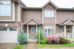 Gorgeous 2 Storey Townhouse w/Finished Basement Must SEE!!