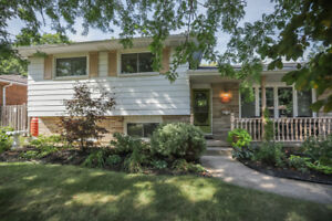 CHARMING SIDE-SPLIT ON 3 BED + 2 BATH IN BEAMSVILLE