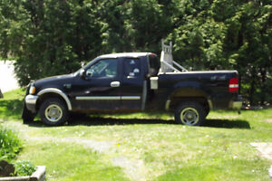 2000 Ford Other Pickup Truck