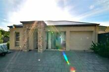 Enjoy social time in this centrally-located share house Paradise Campbelltown Area Preview