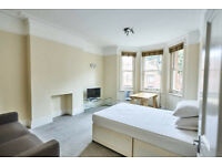 Enormous Room for Rent in Beautiful Maida Vale. Share with fab single mum and two kids.