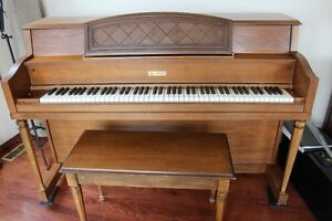Lowrey Apartment Size Piano