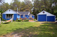 4 Season Cottage in Oliphant, 10 minutes north of Sauble Beach