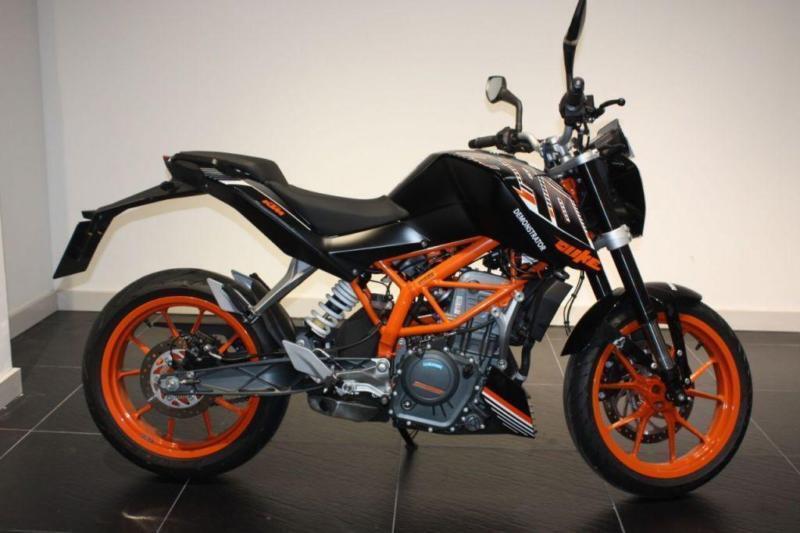 2016 16 Ktm Duke 390 Black Low Mileage Demo Bike Poa In