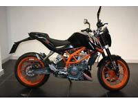 2016 16 KTM DUKE 390, BLACK, LOW MILEAGE DEMO BIKE. POA