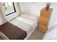 1 bedroom in Elbury Drive, Royal Docks, E16