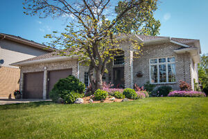 STUNNING 2 STOREY HOME IN BRIGHTS GROVE, OPEN HOUSE SUNDAY