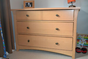 Dresser with Change Table (removable)