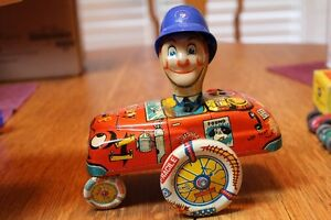 1950'S BOXED TIN TOY CRAZY COP WINDUP W/UP