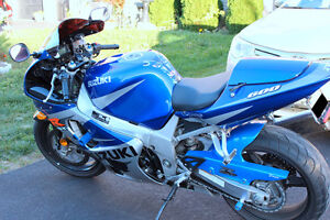 GSXR 600, Perfect Condition + TONS of stuff