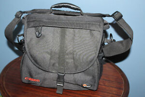 NEW CANON Camera Bag with Padded Shoulder Strap