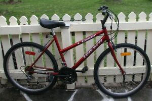 LADIES RED TRIUMPH MTN BIKE