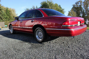 1997 Ford Crown Victoria ONLY 94000 kms