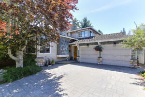 PEBBLE HILL - very desirable Wallace Ave location!!!