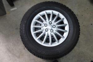 4 pneus + jantes hiver Cooper Discover M+S 235/70R16