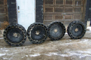 CASE Skidsteer tire and rims