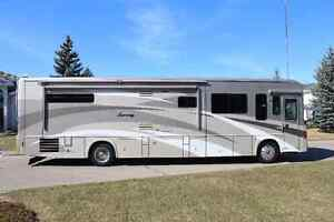 2008 WINNEBAGO JOURNEY 39z with Freightliner chassis